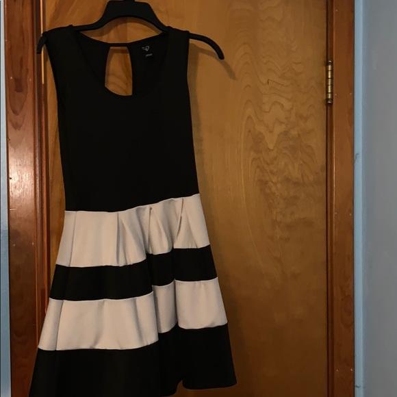 Windsor Dresses & Skirts - black and white striped cocktail dress